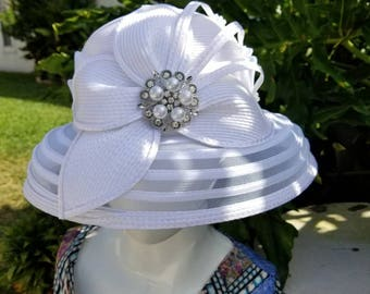 White bucket Church hat