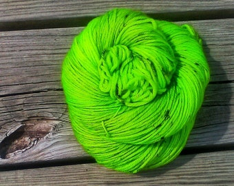 Kiwi Colorway PREORDER, Far Out Base, Indie dyed yarn, Hand dyed yarn, DK yarn, The Psychodelic Sheep
