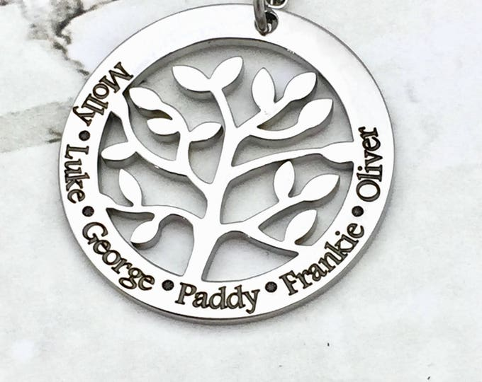 Family Tree of Names Premium Customized Pendant Necklace