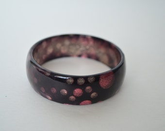 Vintage Lucite Glitter Confetti Polka Dot Purple Burgundy  Hue Bangle Bracelet