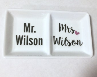Mr and Mrs Personalized Ring Dish, Wedding Gift, Engagement Gift, Personalized Ring dish, Ring Dish, Valentines Day Gift, Valentine