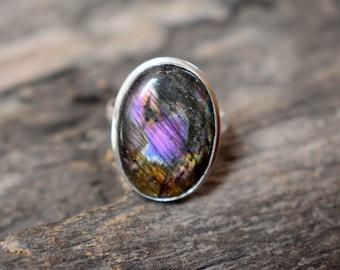Rare Purple Spectrolite Flashy Labradorite Gemstone 925 Solid sterling silver Ring - Silver Statement Ring - Purple Labradorite ring #934