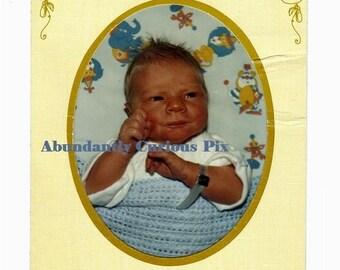 Neugeborene Krankenhaus Snapshot in Papier-Ordner, Vintage-Foto, 9. Januar 1983, Baby junge Thomas Gumola