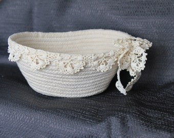 Rope Bowl with Vintage Lace Trim
