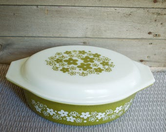 PYREX SPRING BLOSSOM 2 1/2 Qt Casserole, Baking Dish, 045 Ovenware with Floral Green Avocado Crazy Daisy Vintage Bakeware Ovenware Kitchen