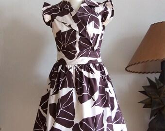 Summer wrap dress 50's style, cotton poplin gathered dress chocolate brown large leaves on off white, sleevless dress, rejuvenaiting dress