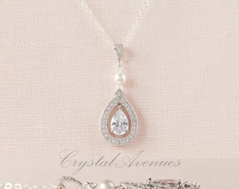 Pearl Crystal Bridal Necklace, Swarovski Crystal wedding Pendant Rhinestone  Bridesmaids Dainty Misty Bridal Necklace