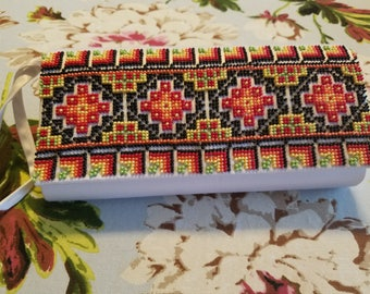 Hand made beading clutch 8.5×4.5