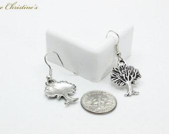 Cheyenne - symbolic Tree of Life dangle earring, silvertone on stainless steel hook, weighing 1 gram each - TZE010213