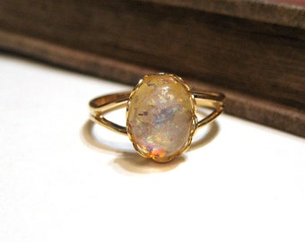Vintage Yellow Harlequin Opal Split Ring - WWII Era - Lace / Scalloped Setting - Gold Plated - Adjustable - 8x10mm