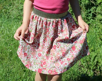 Girl floral with gold elastic belt, light, it's perfect for summer