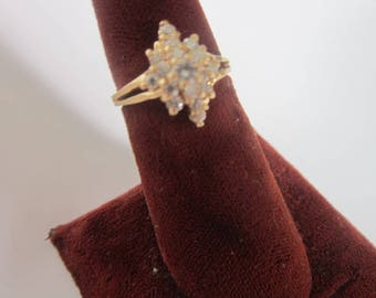 Vintage 14 K Solid Yellow Gold & Cluster White Brilliant CZ Stones Ladies Ring