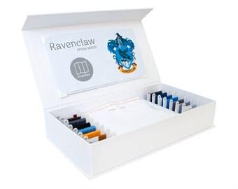Ravenclaw Cross Stitch Kit - Stitchering Box - organisiert Materialien von höchster Qualität - perfekt für Anfänger und erfahrene Craftiers