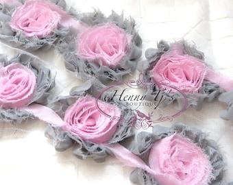 2,5 pouces - 1 yard Gray avec Rose mousseline de soie minable mousseline Rosettes Rose Trim, Hair Bow. Fournitures bricolage. Rose Rosette minable.