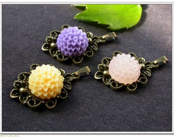 set of 3 medallions and 3 flower resin stick pendants creation
