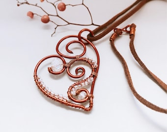 NEW - Handmade Wire wrapped with  Crystal Necklace, Wire Necklace, Birthday Gift, Wire Pendant, Women Jewelry