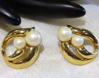 Vintage Avon Faux Pearl Earrings