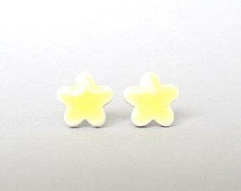 SALE! Small Stud Earrings. Yellow Daisies. Ceramic. Mini Earrings. Lemon. Porcelain Clay. Post Earrings. Flower Earrings. Surgical Steel