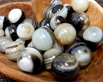 Black Lace Agate Sphere Ball-- Round Black Lace Agate Stone - Reiki - Metaphysical - Crafting - Crystal Grids  (RK163B5-03)