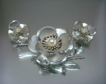 Large Flower Aurora Borealis Rhinestone  Pin and Earrings Unused Vintage