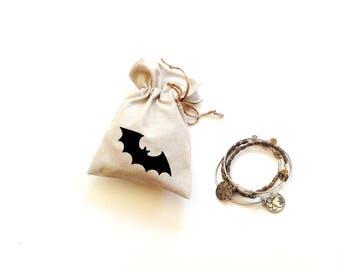 Halloween, black bat favor bag, linen gift bag, Halloween party, treat bag, goodie bags, drawstring bag, candy bag, happy birthday