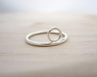 LOTTA Ring - Silver Circle Ring - Minimal Sterling Silver Ring - Loop Ring - Simple Circle Ring - Circle Stackable Ring