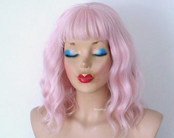 Pastel pink wig. Baby Pink wig. Short wig. Beach waves hairstyle wig. Durable heat friendly wig for daily use or Cosplay.