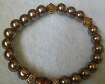 "7"" Shiney Brown Pearl Stretch Bracelet w/glass accents"