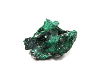 Malachite Specimen Natural Velvet Raw Crystal 29mm x 23mm x 10mm Green Rough Stone Miniature, New Age, Wicca, Metaphysical (Lot 6869)