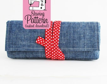 Peony Pen Pouch PDF Sewing Pattern | Sew a flat bottom storage bag to use as a pen or pencil pouch, make up brush case, or small clutch.