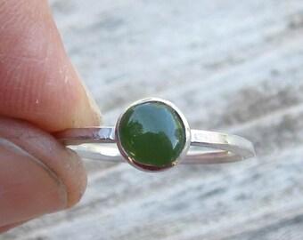 Indianische inspirierte Nephrite Jade 925er Silber Ring - Größe 6-3/4