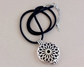 Essential Oil Jewelry, Diffuser Necklace, Aromatherapy Necklace, Diffuser Locket, Oil Necklace, addtional Stainless Steel Chain, Wool Felt