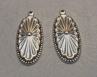 LuxeOrnaments Antique Silver Ornate Drop-Pendant (2 pcs) 32x12mm S-7990-S