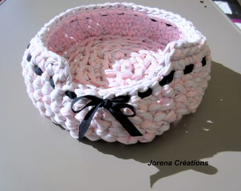 Pink and gray cat, violet basket