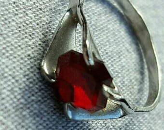 1.5 carat Garnet set in Sterling Silver