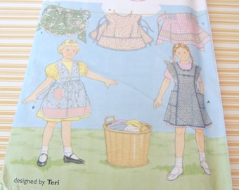 Simplicity 8916 Childs Apron Pattern uncut sizes 3 to 8