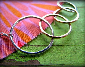 Four Intertwined Rings Necklace - 4 Symbolic Infinity Linked Circles -Gift Birthday Reunion Best Friends 40th 45th 50th 55th 60th 65th