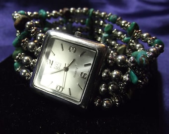 Woman's NY&C  Watch with Turquoise Beaded Band  **Beautiful** B118-1086