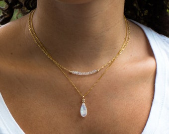 Moonstone Necklace, Gift for Her, Rainbow Moonstone Pendant, Mom Gift, Moonstone Jewelry, Dainty Gemstone Necklace, June Birthstone, Gold