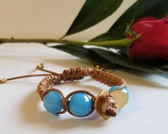 Blue faceted crystals bracelet