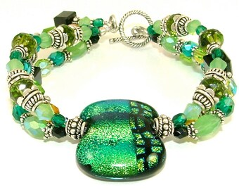 GRANDS soldes - animé «reflets de vert» Triple brin Perles verre fusionné dichroïque déclaration Bracelet-OOAK