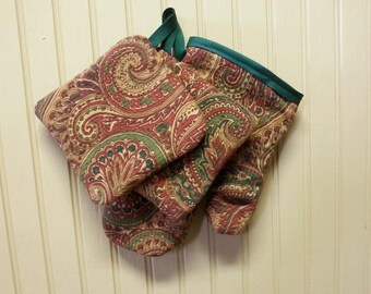 Oven mitt, pot holder, insulated mitt, oven glove, paisley pot holder