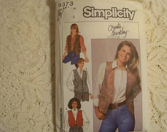 Simplicity Pattern - 9373 -Misses Lined Vests With Variations -Size (6,8,10,12) - Christie Brinkley Collection