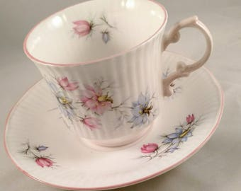 Vintage Queen's English Bone China Tea Cup/Saucer, Pink