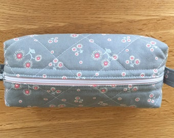 Makeup bag , cosmetic bag , zipper pouch, makeup organiser, small padded bag, grey floral bag