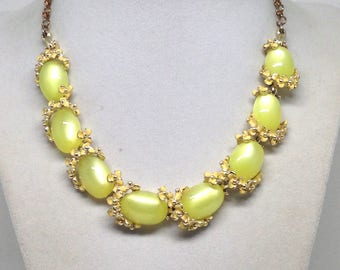 Magnificent Vintage Estate Green Yellow Moonglow Flower Necklace