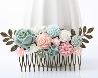Wedding Hair Comb, Pink and green Bridal Hair Comb, Sage and Pink Vintage Style hair comb, Garden Wegging, Flower Collage Hair Comb, gift