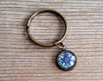 Compass Keychain, Traveler Keychain, Unisex Key Chain, Glass Compass Charm, Wanderer Keychain, Antiqued Brass Key Chain