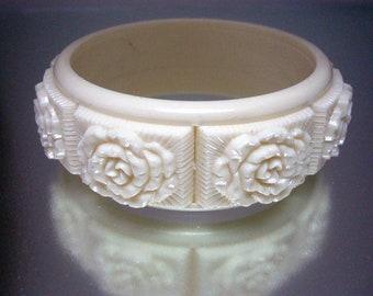 Sarah Coventry Coffeee & Cream Cream Only Bangle Bracelet Raised Flowers 1970's Vintage
