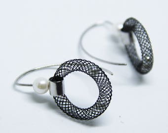Silver Earrings Pearl - Mesh Earrings - Sterling Silver - Contemporary Jewelry- Black Earrings- Unique